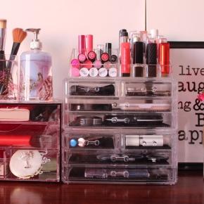 {Part 2} My Acrylic Makeup Storageunits