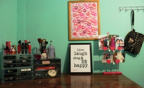 Magazine Monday: Canvas Decor + DIY