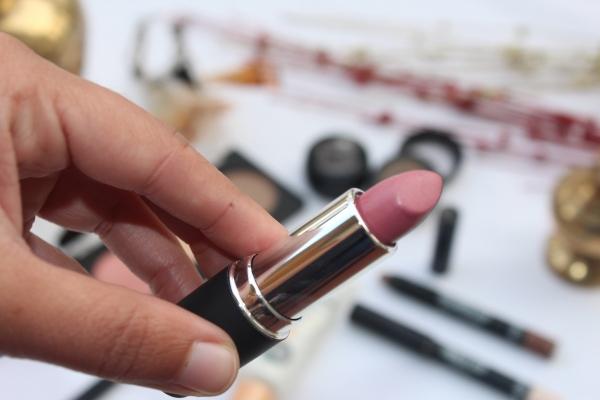 City Girl Vibe Mattense Lipstick Shade 405