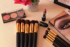 {Review} Glamore Cosmetics: Kabuki Makeup BrushSet