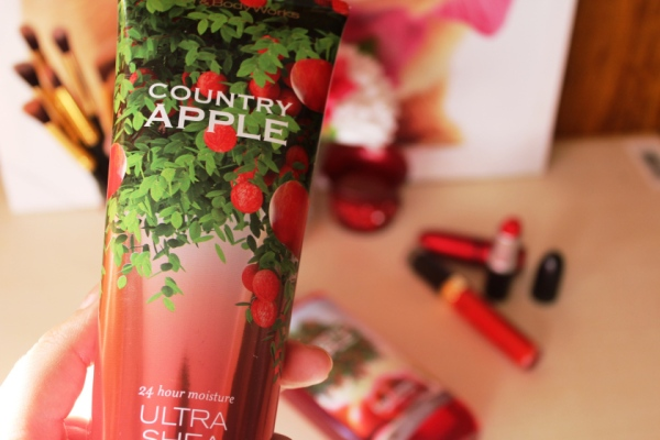 city-girl-vibe-bath-body-works-in-sa-country-apple-range1