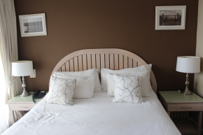 {Explore} Accommodation in Cape Town: Where to stay this summerholidays.