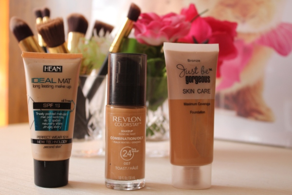 city-girl-vibe-foundations-on-rotation