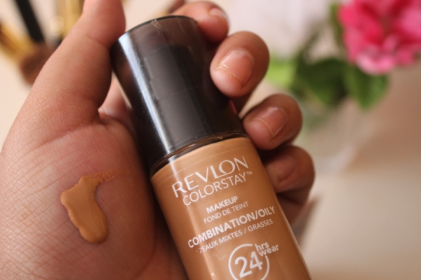 city-girl-vibe-revlon-colorstay-foundation-combination-oily-skin-toast