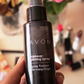 {Review} Avon Makeup Setting Spray