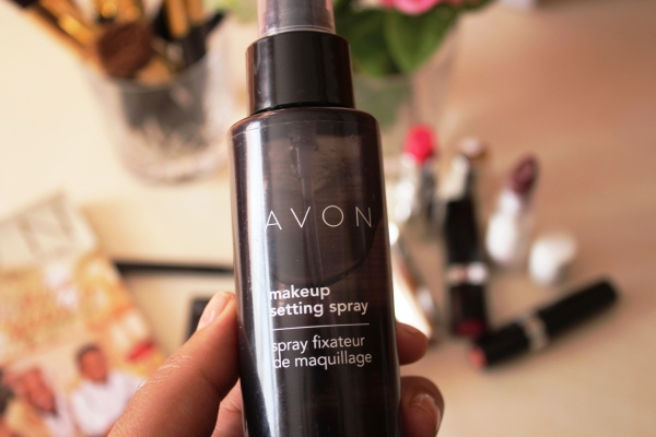 city-girl-vibe-x-avon-makeup-setting-spray