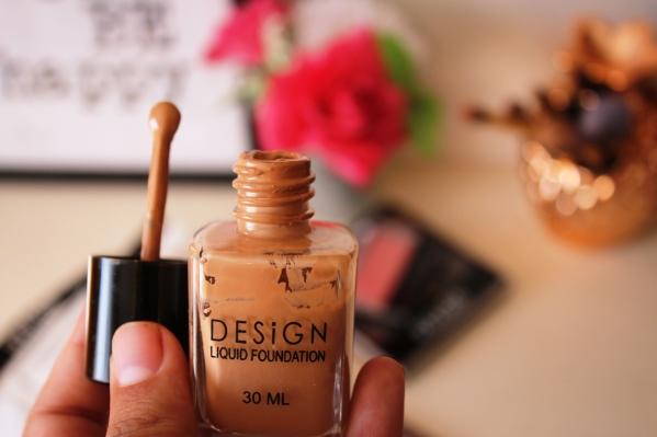 city-girl-vibe-x-design-cosmetics-foundation