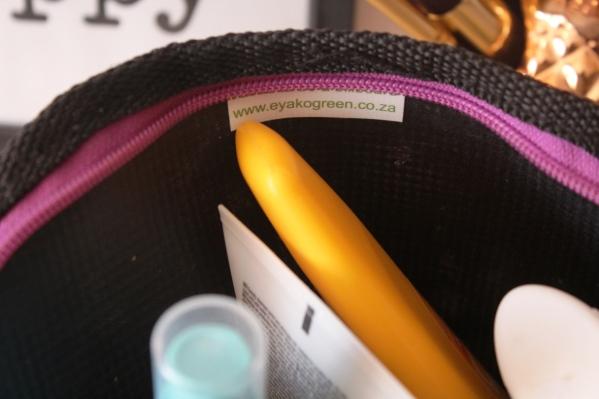 city-girl-vive-c-eyako-green-eko-cosmetic-bag