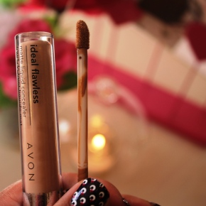 {Review} Avon Ideal Flawless LiquidConcealer.