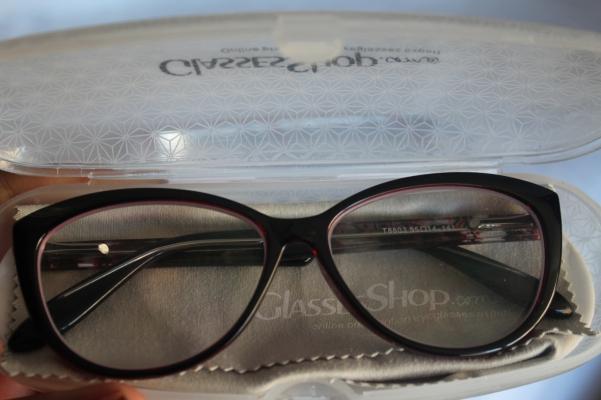 city-girl-vibe-x-glasses-shop-oversized-cateye-style-glasses