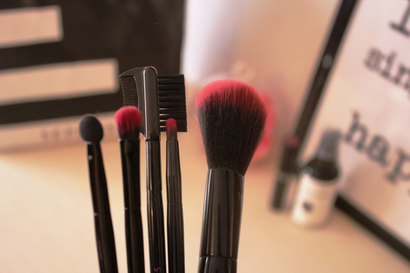 city-girl-vibe-x-sephora-travel-brush-set
