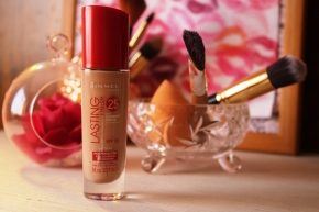 {Review} Rimmel Lasting Finish Foundation.
