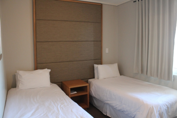 city-girl-vibe-x-sunstays-lagoon-beach-review-2nd-bedroom
