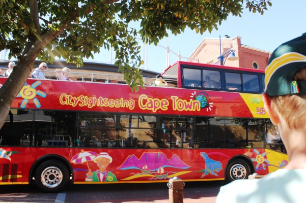 city-girl-vibe-x-city-sightseeing-cape-town-red-bus