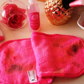 {Review} Max Makeup Cleansing Towel
