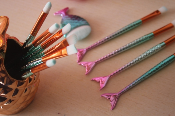city-girl-vibe-x-11-mermaid-makeup-brush-set-review