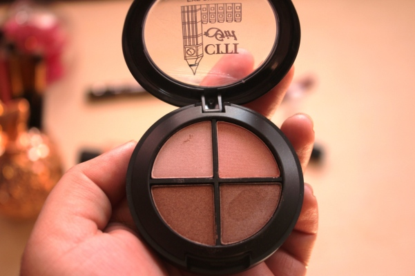 city-girl-vibe-x-citi-girl-makeup-beyond-natural-eyeshadow-quad