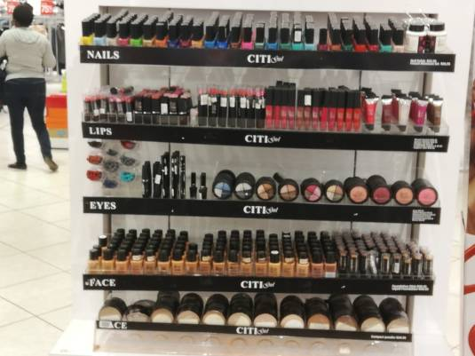 city-girl-vibe-x-citi-girl-makeup-display-vangate-mall-edgars