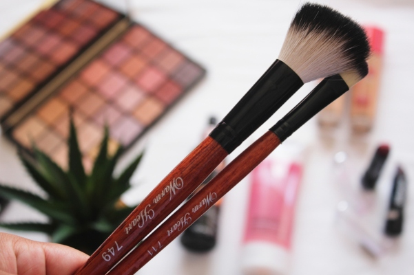 city-girl-vibe-x-warm-heart-makeup-brushes