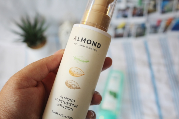 City Girl Vibe x Almond Moisturizing Emulsion