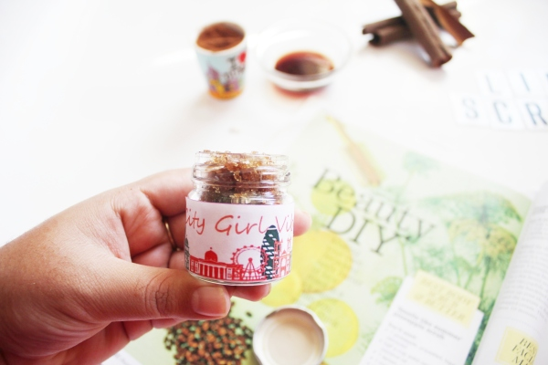 City Girl Vibe x DIY Cinnamon and Vanilla Lipscrub
