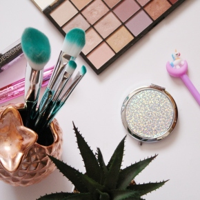 {Review} The only four makeup brushes that I am currently using.