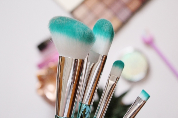 City Girl Vibe x Clicks Mermaid Makeup Brushes
